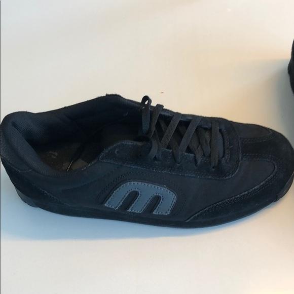 c54f97d955 Etnies Other - Etnies Lo Cut II LS Sneakers